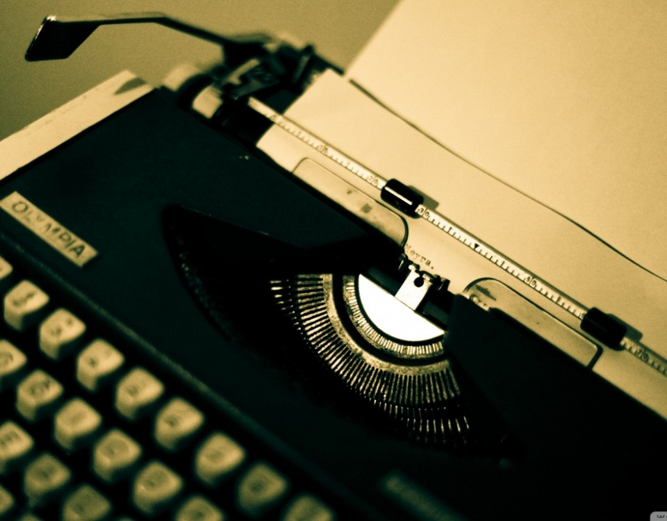 old_typewriter_2-wallpaper-1366x768